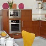 17-bucatarie moderna cu mobila desfasurata pe 3 laturi