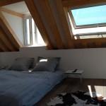 17-dormitor luminos modern amenajat in mansarda casa mica Normandie Franta