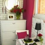 17-loc de luat masa si comoda cu sertare decor balcon mic