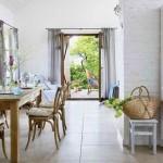 17-vedere din dining spre terasa din afara casei