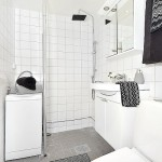 18-baie finisata in alb si gri decorata cu prosoape negre