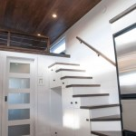 18-design scara interioara din lemn cu dulapuri si sertare integrate dedesubt amenajare casa mica