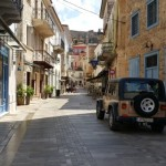18-liniste si pace pe una dintre strazile orasului grecesc Nafplio