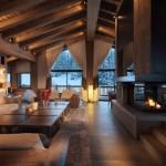 18-living mansarda cu semineu cabana lemn la bergerie alpi francezi