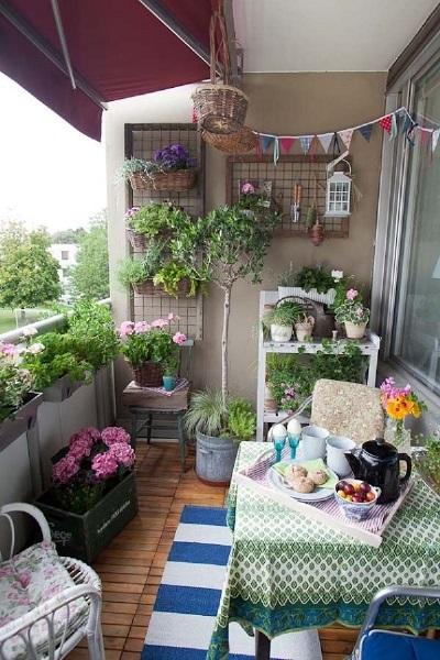 18-multe flori si plante in decorul unui balcon in stil nordic