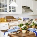 19-bucatarie frumoasa cu scaune din impletituri vegetale