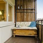 19-canapea lada din lemn balcon rustic apartament 80 mp