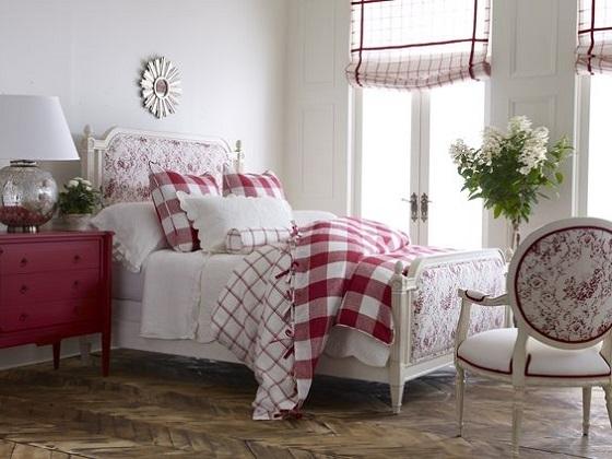 2-asternuturi-bicolore-pentru-patul-din-dormitor
