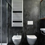 2-baie moderna minimalista pereti finisati cu lastre ceramice gri antracit