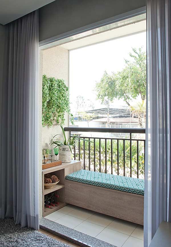 bancuta si comoda balcon mic ingust