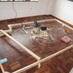 2-baza structurii din lemn a platformei inaltate din dormitor