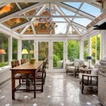 2-bucatarie de vara cu loc de luat masa si zona de relaxare in veranda casei