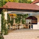 2-bucatarie de vara frumoasa amenajata in terasa de langa casa