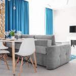 2-canapea asezata de-a latul livingului