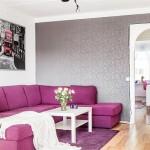2-canapea mov si perete decorat cu tapet gri argintiu amenajare living modern