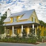 2-casa cu pereti exteriori galbeni si acoperis gri
