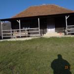 2-casa din lemn la tara Muntii Apuseni Vlad