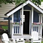 2-casa mica de joaca pentru copii cu pridvor si jardiniere