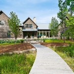 2-casa noua obtinuta prin unirea si renovarea a trei cabane mici din lemn