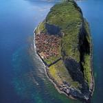 2-cetatea Monemvasia de pe insula desprinsa de Grecia continentala