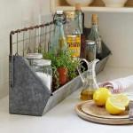 2-cos din tabla pentru organizarea obiectelor de pe blatul de lucru din bucatarie