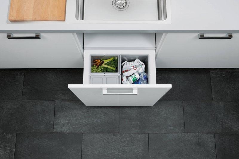 cosuri gunoi extractabile integrate in sertar sub chiuveta bucatarie