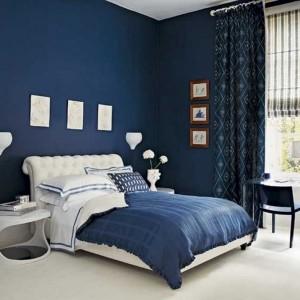 2-dormitor decorat in bleumarin si alb