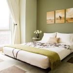 2-dormitor elegant decorat in verde olive alb si accente maro