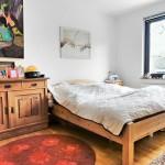 2-dormitor inainte de renovare mobila veche din lemn masiv