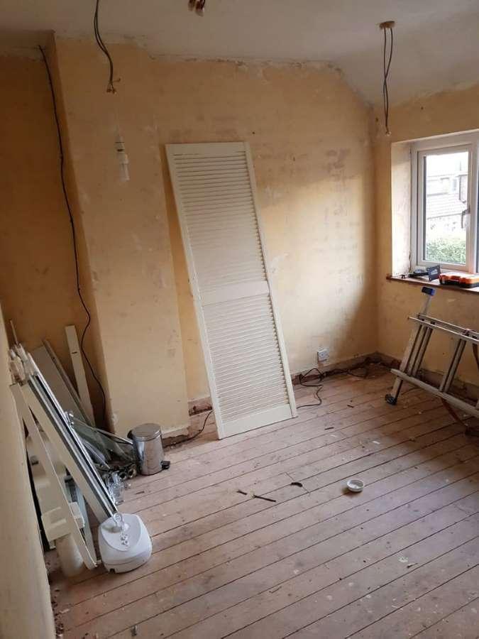 2-dormitor-mic-inainte-reamenajare-stil-scandinav