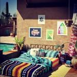 2-dormitor modern si colorat amenajat pe terasa casei