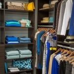 2-dressing organizat pe culori si categorii vestimentare