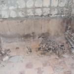 2-eliberare baie veche de obiectele sanitare si finisajele vechi