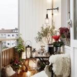 2-exemplu de amenajare a unui balcon mic si deschis cu loc de baut cafeaua