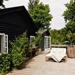 2-exterior casa rustica danemarca placat cu lambriu lemn culoare neagra