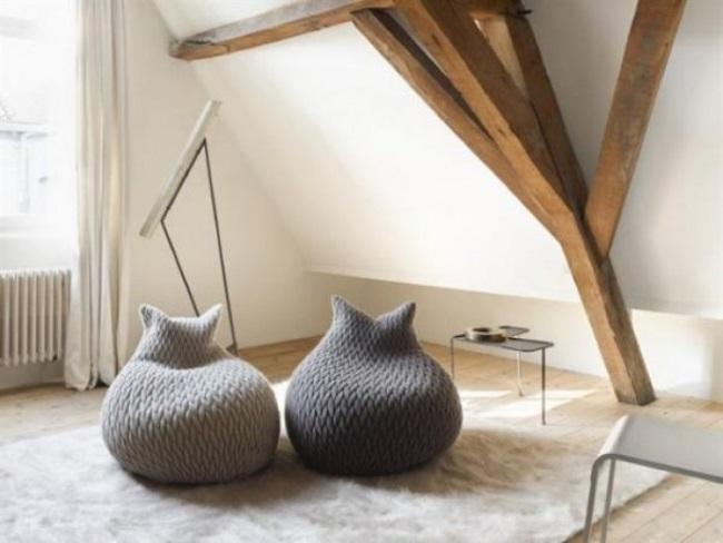 2-fotolii moi in forma de para imbracate in huse calduroase tricotate manual