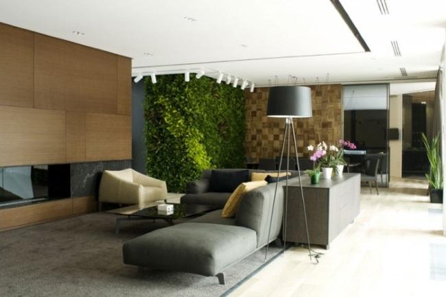 2-gradina verticala cu plante verzi in amenajarea unui living modern minimalist