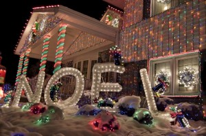 iluminat decorativ craciun exterior casa