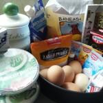 2-ingrediente tort cu blat de ciocolata amaruie si crema de mascarpone frisca si lapte condensat
