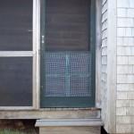 2-intrare casa din lemn pentru musafiri