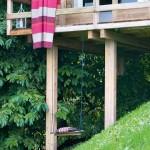 2-leagan agatat sub terasa casuta de lemn 10 mp