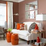 2-living pereti cappuccino mobila alba si accente portocalii