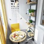 2-loc de luat masa amenajat in interiorul unui balcon mic si ingust