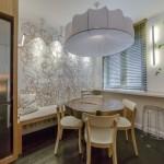 2-loc de luat masa bucatarie amenajata in stil modern cu accente urbane eco