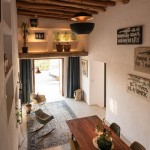 2-loc de luat masa si zona de conversatie casa mica de vacanta Ibiza Spania