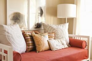 2-model canapea compacta amenajare living mic apartament