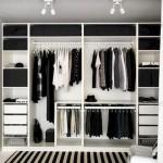 2-model organizare interior dulap mare haine cu polite sertare si bare umerase