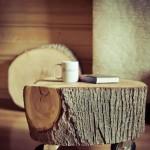 2-noptiera pe roti confectionata dintr-o bucata de bustean de lemn