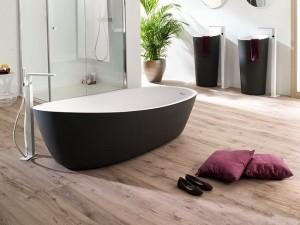 2-pardoseala din lemn decor baie moderna