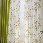 2-perdele albe de vara cu imprimeu cu lalele vernil asortate unor draperii vernil